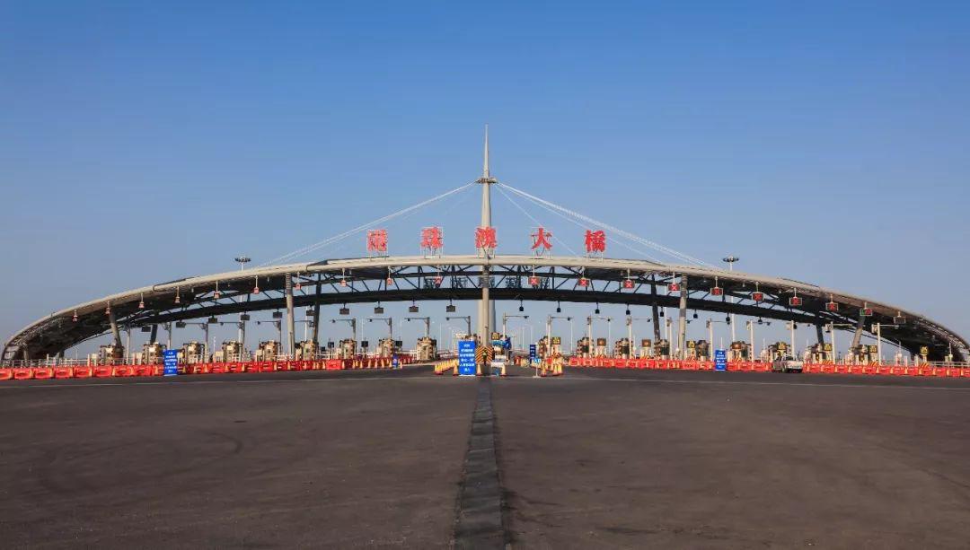 港珠澳大橋開通一周年 日均6.69萬人次,車流量突破150萬車次-企一網