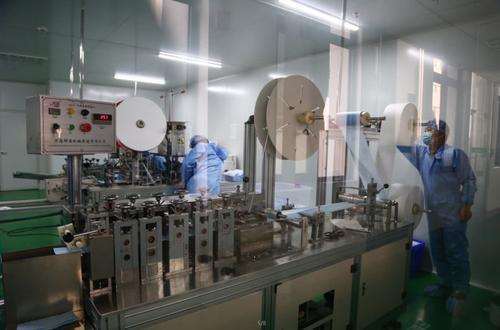 國投生物生產線隨時切換生產醫用酒精