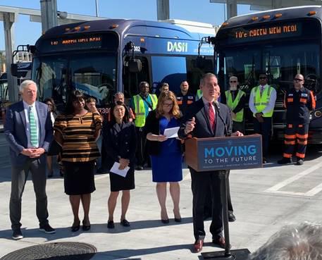 美国最大纯电动巴士订单揭晓 洛杉矶市长盛赞比亚迪的环保贡献