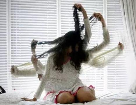 女博士带女婴跳楼自杀