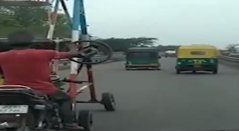 印度男子發明摩天輪摩托
