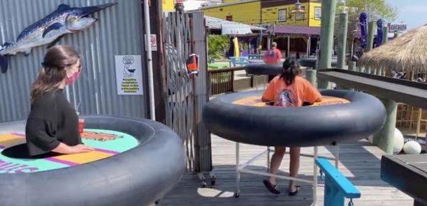 美國餐廳推出輪胎餐桌