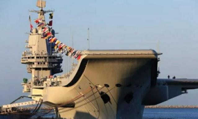 山东舰海上进行训练