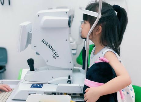 医生呼吁关注孩子视力