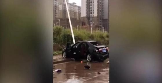 未成年人驾驶轿车撞飞人,被撞人当场去世