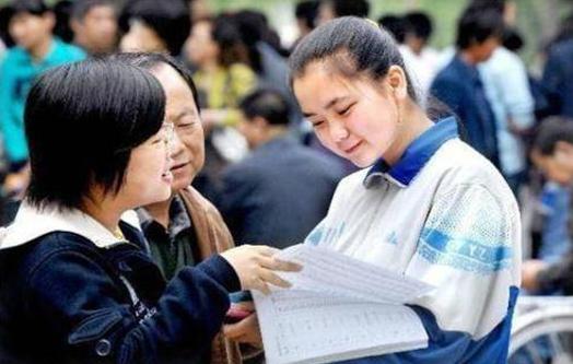 今年高考考场增加,意味着考生人数仍在增加