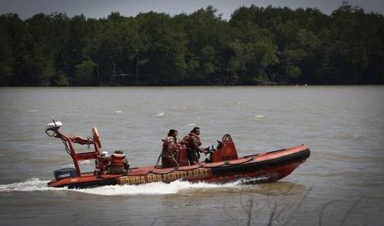 云南27人船只翻沉,这到底是怎么一回事呢?
