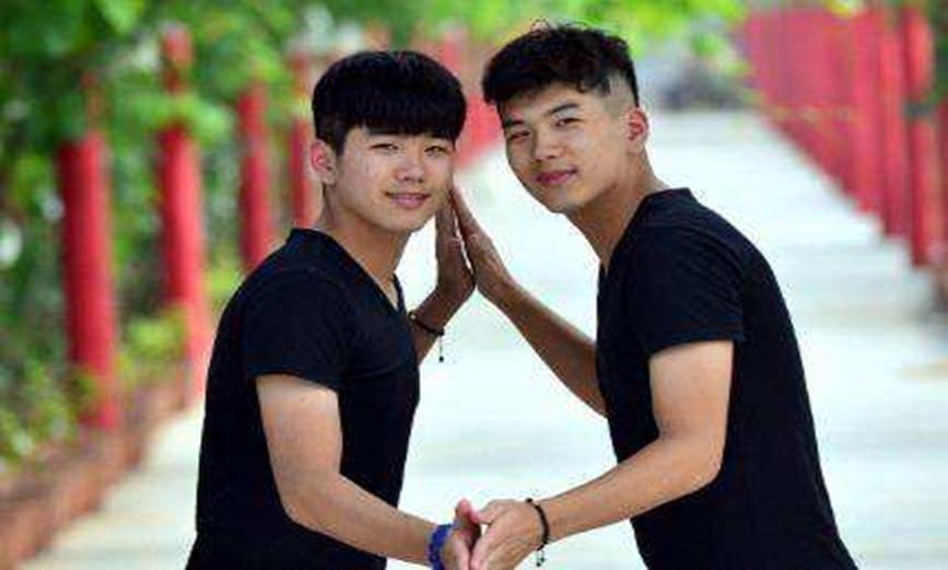 双胞胎究竟有何魔力,高考分数相同,神同步!