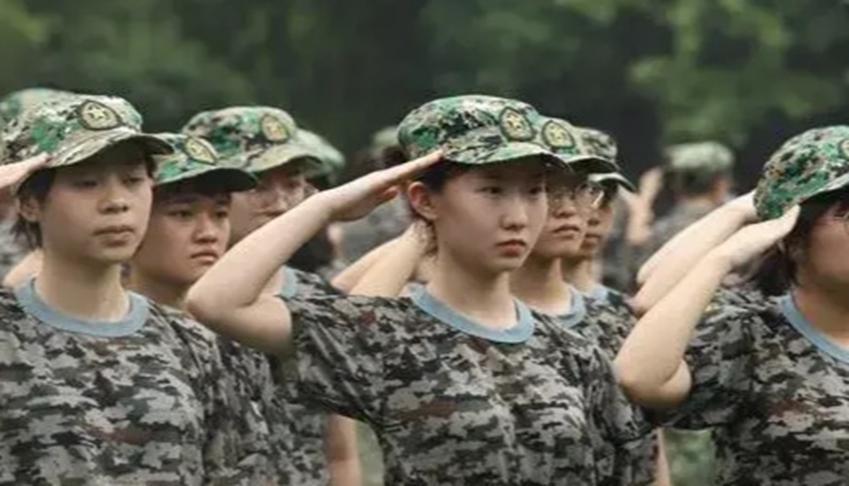 剛剛入學的同學,因軍訓死亡,家長和學校各執一詞